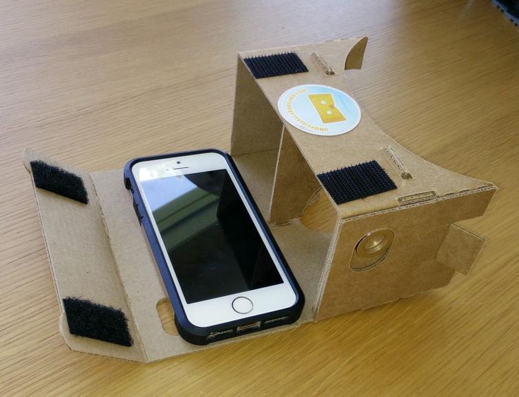 How to Make a DIY Virtual Reality Headset
